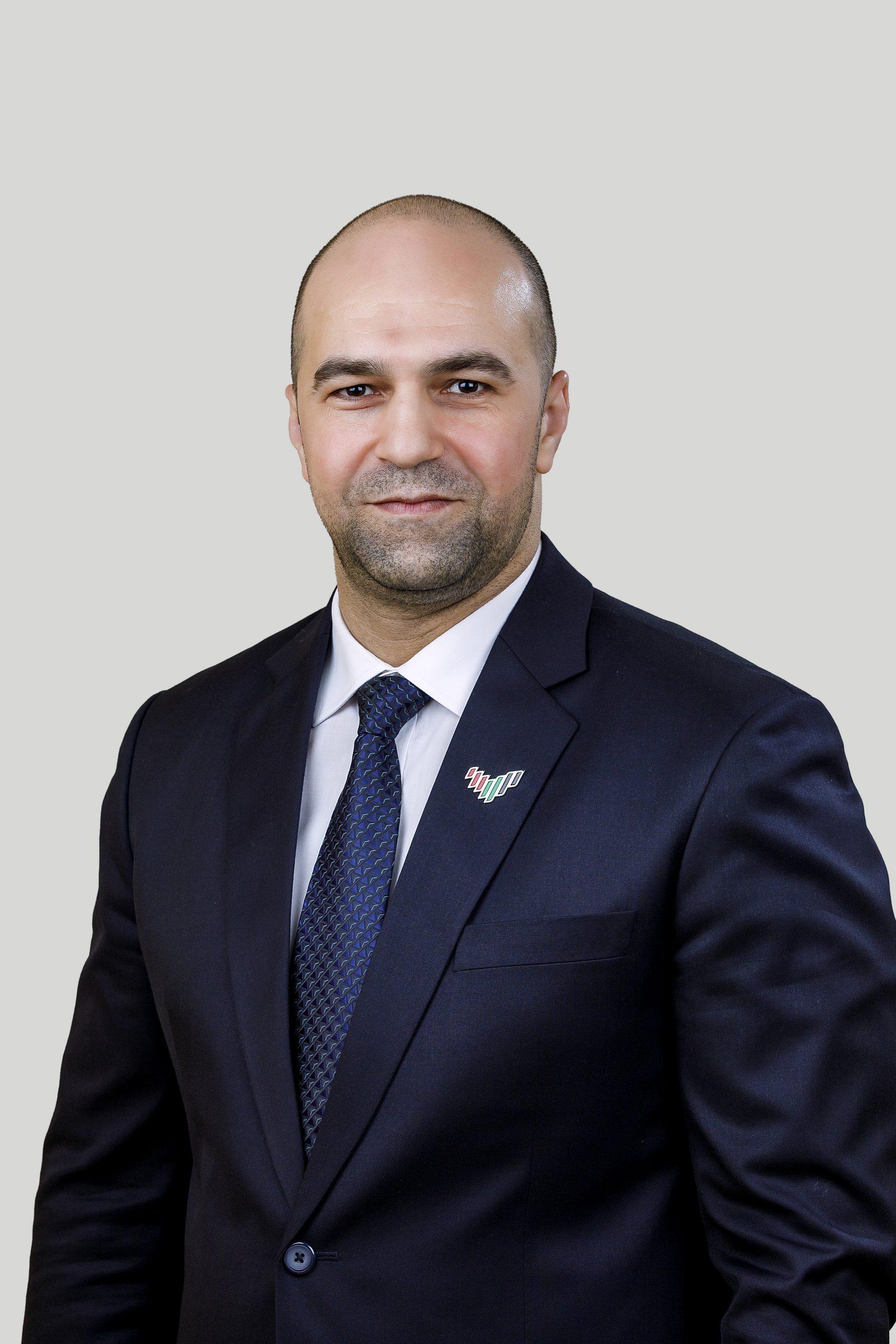 Dr. Salem Abiat